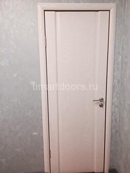 Дверь двух сторонняя. С одной стороны ясень тон 6, а с другой анегри темный.